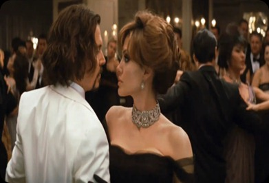 The-Tourist_Johnny-Depp-Angelina-Jolie-dance_trailer1.bmp1