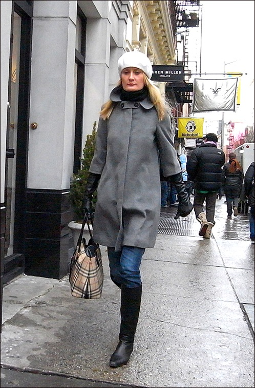 w grey coat bb bag white hat