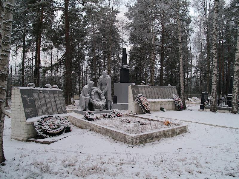 Кирилловское. Братская могила бойцов и командиров РККА