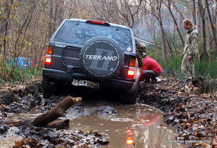 засосало в грязь авто