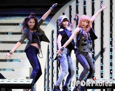 ภาพการแสดงในงาน Dream Concert 2010