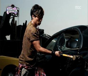 Yoo Jae Suk เป็นหนุ่มเท่ห์ในปฏิทิน Infinity Challenge 2011