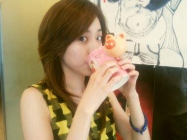 Minzy เกิร์ลกรุ๊ป 2NE1 ก็ถ่ายรูปเก่ง