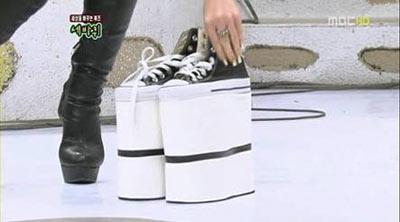 Seo In Young โชว์รองเท้าสูง 30 ซม. ของเธอ
