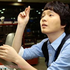 ชาวเน็ตสงสัยว่าทำไม Shin Jung Hwan ถึงติดหนี้การพนัน