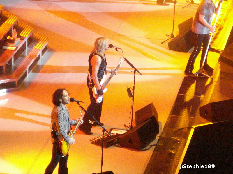 Vivian Campbell and Rick Savage (and part of Joe Elliott) - 2007