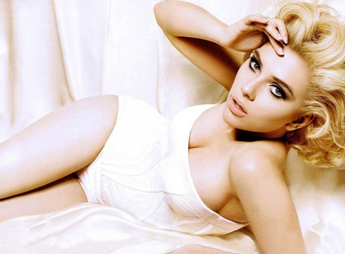 Scarlett_Johansson_Hollywood_hot_actress_3
