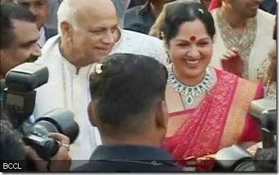 Shilpa-Shettys-parents-at-her-wedding-ceremony