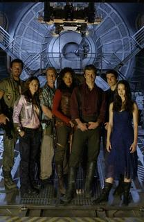 firefly-serenity-movie-promotional-photos-mq-261-2005-10-10-17-55.jpg