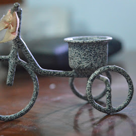 by Suryanto Agus - Artistic Objects Toys