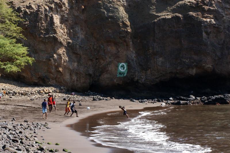 O jogo de futebol na areia, Cidade Velha, Cabo Verde
