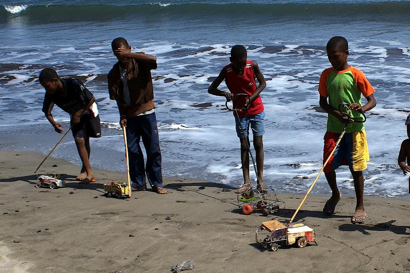 Os meninos e os carrinhos de arame, Santiago, Cabo Verde