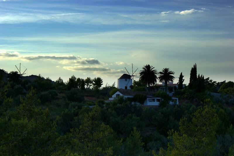 Fim de tarde desde o Castelo de São Felipe, Setúbal, os moinhos