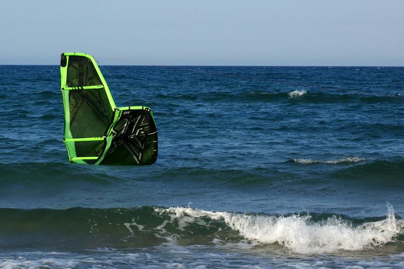 Kitesurfing, vela na água