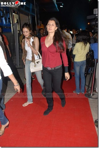 Sangeeta Bijlani Looking Sexy at the Premiere of New James Bond Movie 'Quantum of Solace'...