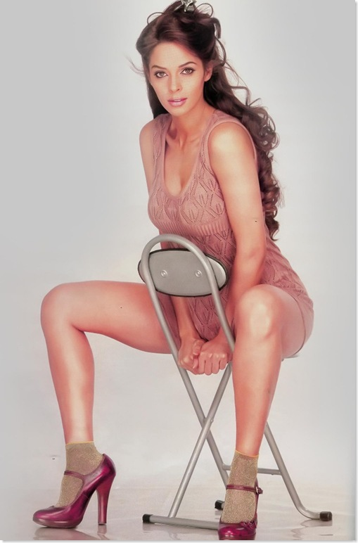 Mallika Sherawat in a Very Hot Pose!