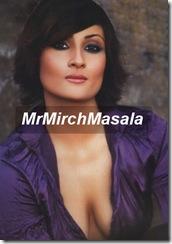urvashi dholakia cleavage (2)