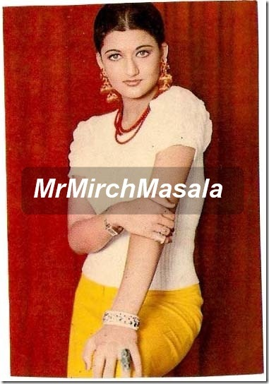 yesteryear bollywood actresses sarika (10)