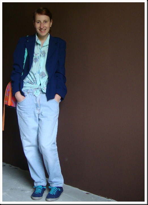 Vintage baggy jeans and shirt; secondhand blazer; DIY bag; Graceland shoes (3)