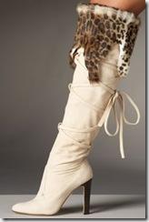 manolo-blahnik-cava-fur-boots-240bsc082009[1]