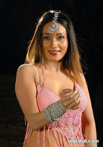 Anu Vaishnavi - Anu Vaishnavi Sexy Outfit