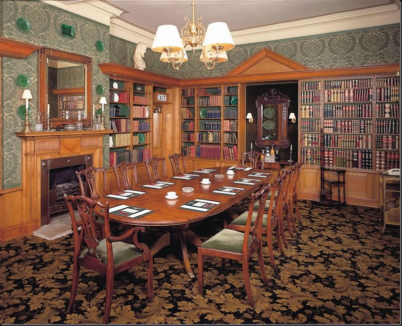 Hotel_library_room
