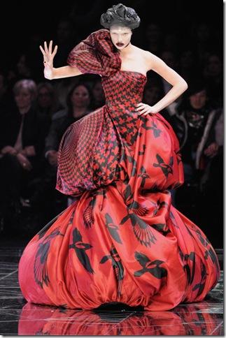 Alexander McQueen Paris Fashion Week Ready FI_Fjcumeeil