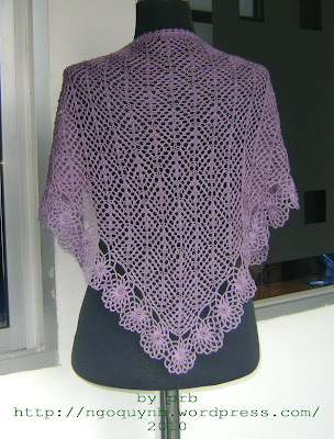 Free Universal Yarn Pattern : Flowers Edge Crochet Shawl