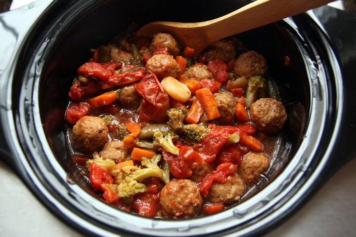 Lauren's Kitchen: Crockpot Meatball and Veggie Stew