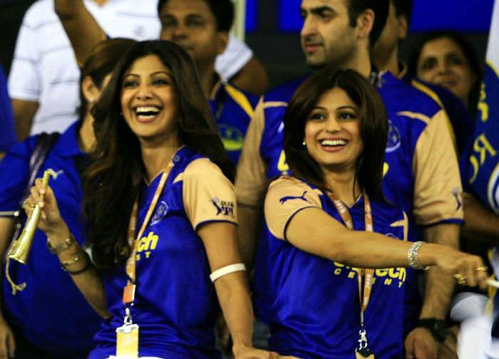 Super Hot IPL Nights: Celebs' Photo Collection