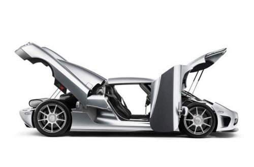 Top 6 Fastest Cars in the World: SSC Ultimate Aero, Bugatti Veyron, Koenigsegg CCX, Saleen S7 Twin-Turbo, McLaren F1, Ferrari Enzo