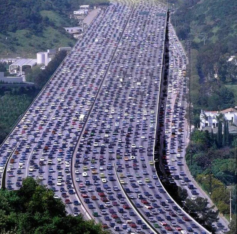 ~~ Massive Traffic Jam ~~ You haven't seen one until you've seen this!!!