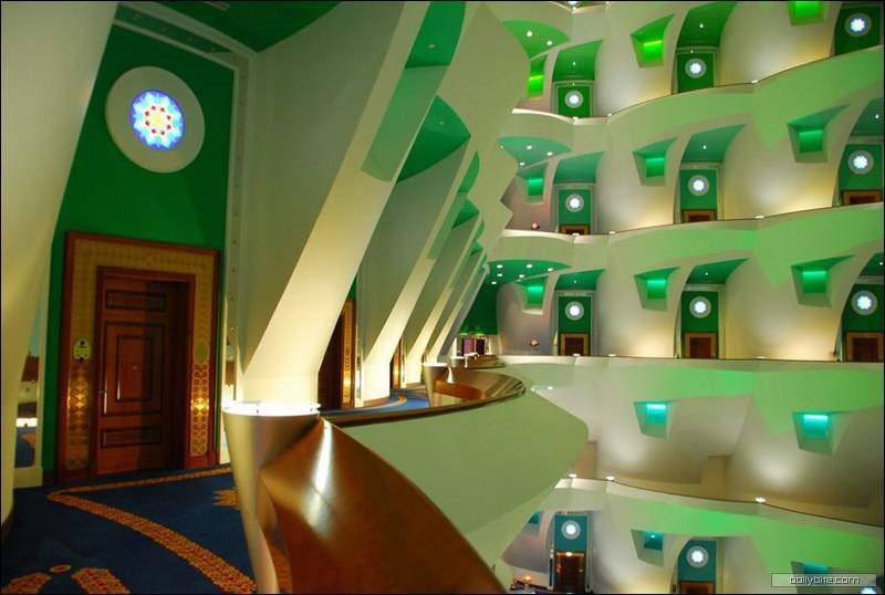 Inside the the world's second tallest hotel - BURJ AL ARAB. Luxury at its best
