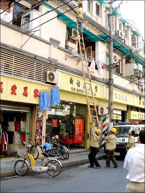 Safety in CHINA: What to do when a ladder comes short?
