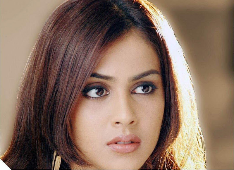 Genelia D'Souza (Wallpapers)