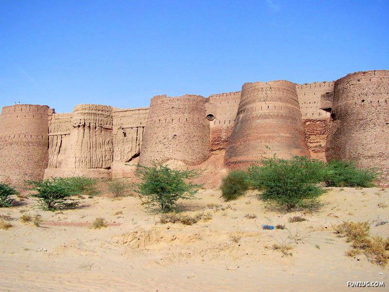 Derawar Fort: Large Square Fortress In Pakistan