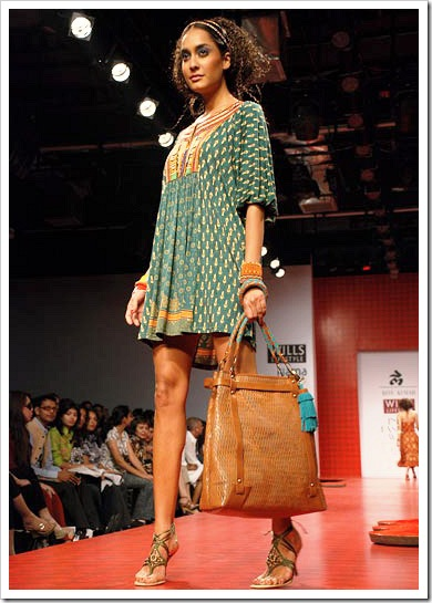 Ritu kumar's summer wear collection at LFW_2