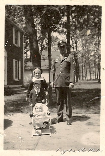 WW2 Dad and Kids