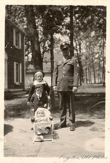 WW2 Dad and Kids