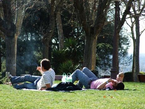 14-Rauchen im Park
