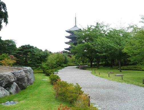 9 - Templo Toji - caminho para o pagode