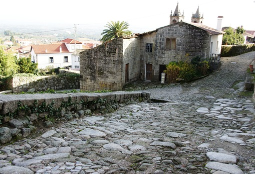 Alpedrinha - calçada romana 1