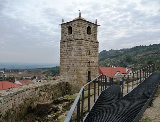 Castelo Novo - castelo - torre do relógio 1
