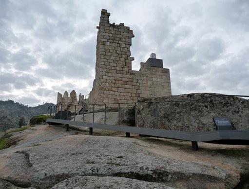 Castelo Novo - castelo - torre da menagem 1