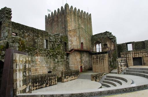 Belmonte - castelo - interior 1