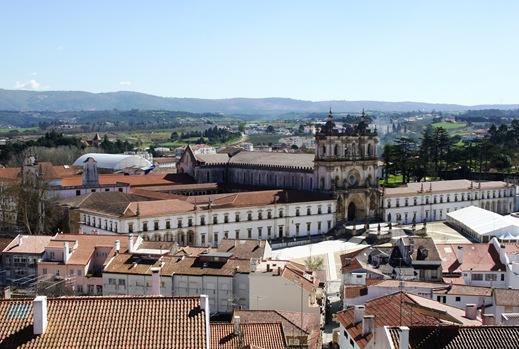 Alcobaça - mosteiro visto do Castelo