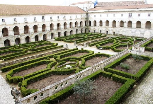Mosteiro de Alcobaça - Claustro dos Noviços ou do Cardeal