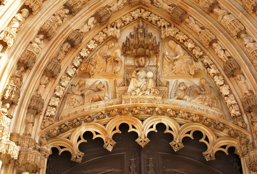 Batalha - Mosteiro de Santa Maria da Vitória - porta da igreja -  detalhe 1