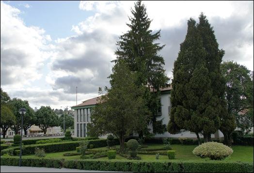 Sabugal - Glória Ishizaka - jardim do tribunal 1