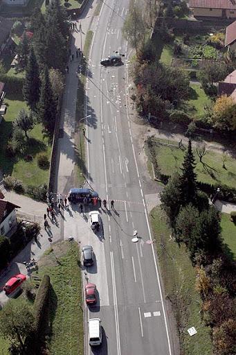 Haider Luftbild Richtung Sueden 0,1020,1324781,00.jpg (JPEG-Grafik, 341x512 Pixel)